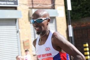 Mo Farah running the 2014 London Marathon (image credit here)